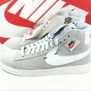 Nike Women's Blazer Mid Rebel Off White Size 8, 9